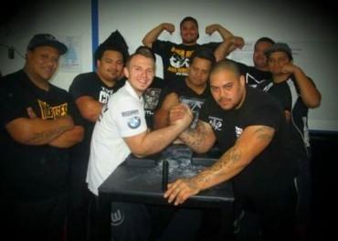 Training mit den besten Armwrestlern Neuseelands